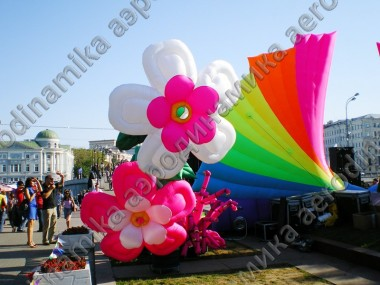 Inflatable flowers and arch as a stage decoration