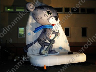 5 meters high inflatable Barsik hockey player