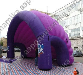 Inflatable shelter for stage
