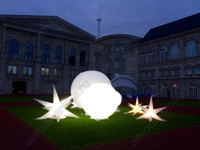 Inflatable balls and stars with inner backlight