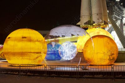 Inflatable planets at VDNH