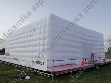 "Inflatable cube tent at the ""Нашествие"" festival"